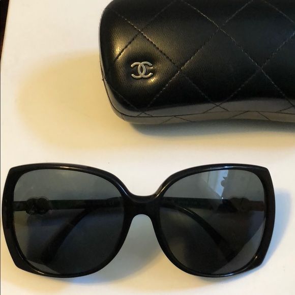 f925b8ef4220 CHANEL Accessories - CHANEL Oversize Black Sunglasses